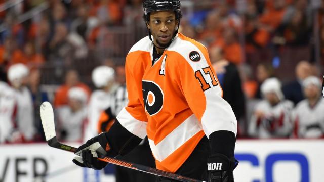 Philadelphia Flyers right wing Wayne Simmonds