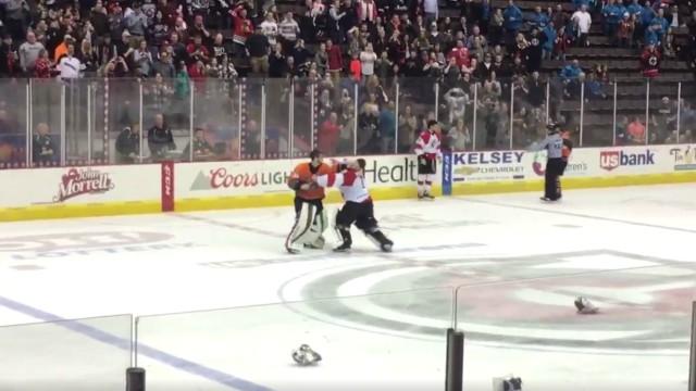 Cincinnati Cyclones Quad City Mallards goalie fight