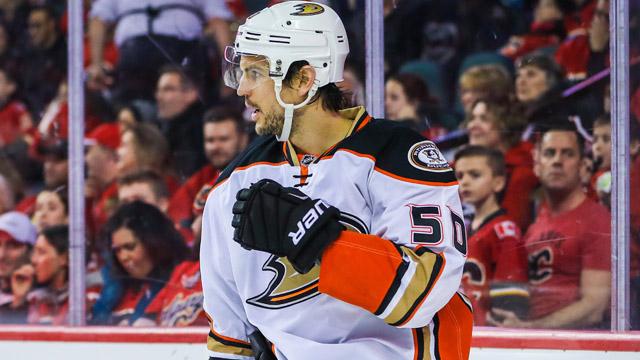 Ducks forward Antoine Vermette