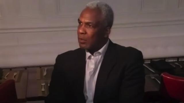 Former Knick Charles Oakley