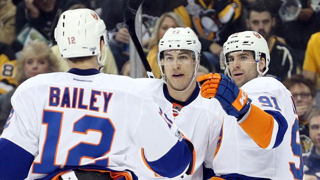 New York Islanders John Tavares and Anders Lee