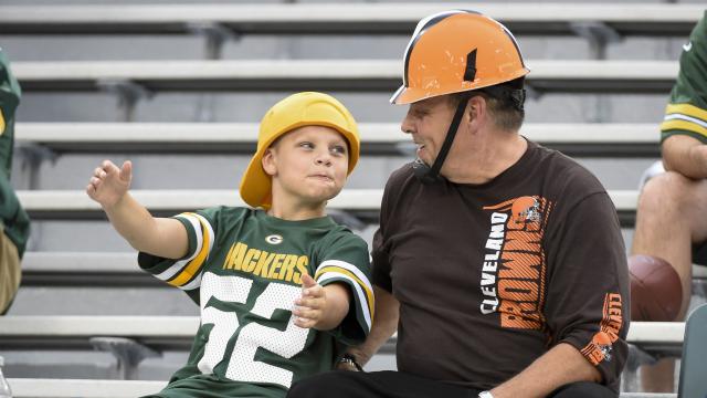 Green Bay Packers fan, Cleveland Browns fan