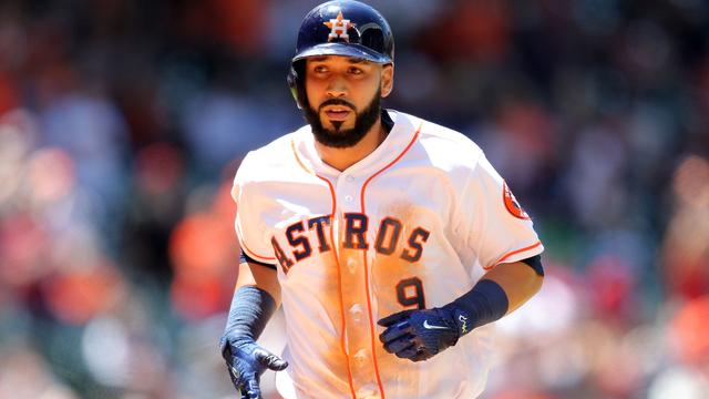 Astros infielder Marwin Gonzalez