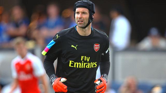 Arsenal goalie Petr Cech