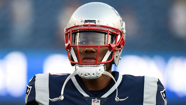 New England Patriots defensive end Cyrus Jones