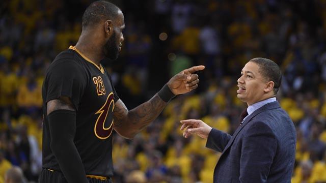 Cleveland Cavaliers head coach Tyronn Lue talks with LeBron James