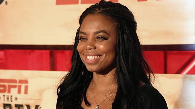 """ESPN """"SportsCenter"""" anchor Jemele Hill"""