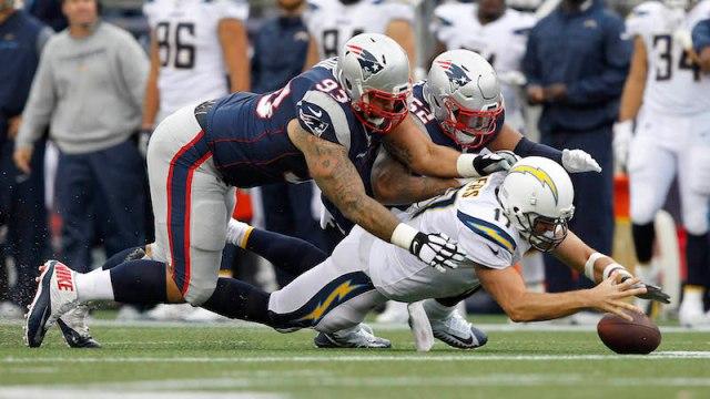 Patriots defenders Lawrence Guy, Elandon Roberts