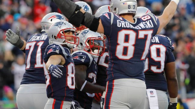 Patriots running back Dion Lewis, tight end Rob Gronkowski