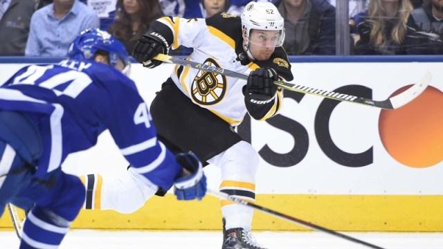 Bruins forward Sean Kuraly