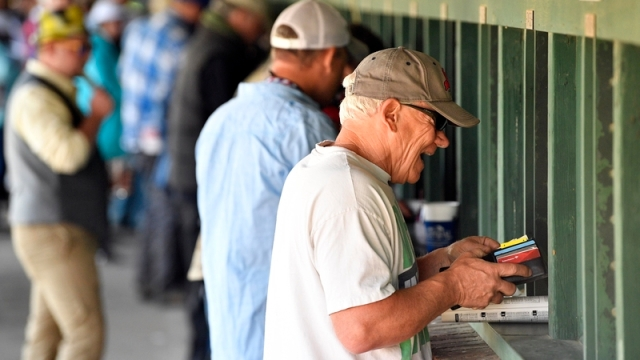 Betting at the Kentucky Derby