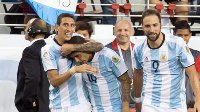 Argentina midfielder Ever Banega (19), midfielder Angel Di Maria (7) and forward Gonzalo Higuain (9)