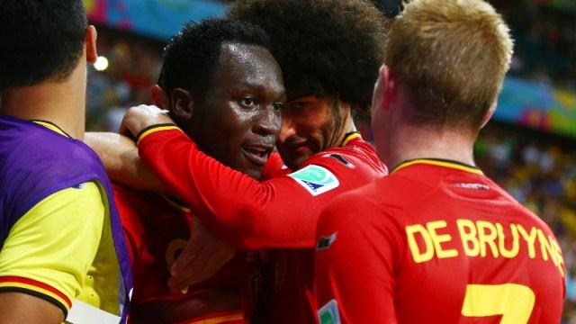 Belgium forward Romelu Lukaku (center)