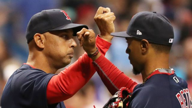 Alex Cora, Mookie Betts