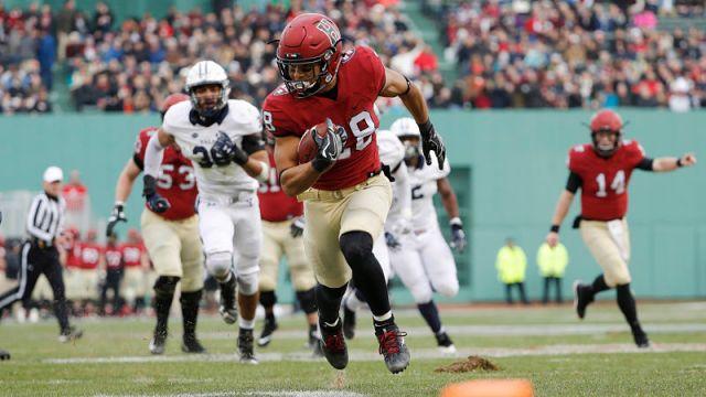 Harvard running back Henry Taylor