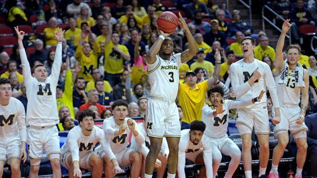 Michigan Wolverines point guard Zavier Simpson