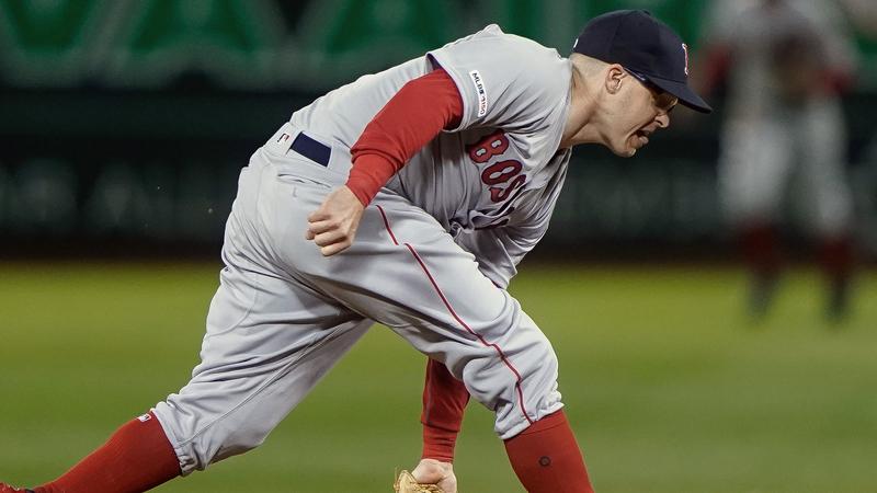 Red Sox's Alex Cora, Mookie Betts Applaud Brock Holt's Defensive Wizardry