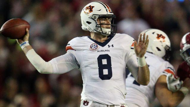 Auburn Tigers quarterback Jarrett Stidham