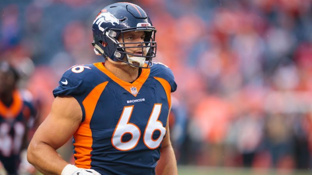 Free-agent offensive tackle Jared Veldheer
