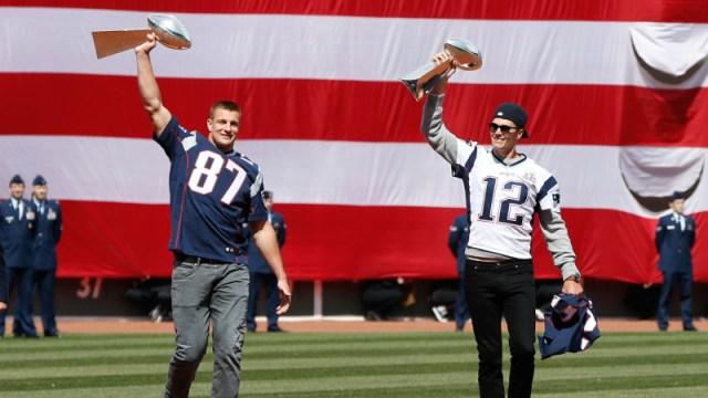 Tampa Bay Buccaneers' Rob Gronkowski, Tom Brady