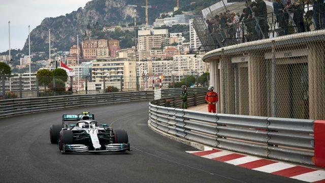 Mercedes No. 44 Lewis Hamilton
