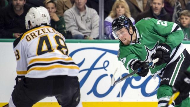 Bruins forward Brett Ritchie