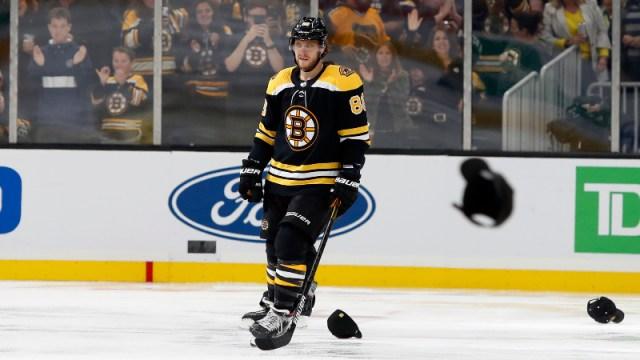 Bruins right wing David Pastrnak (88)