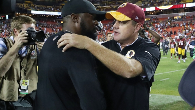; Pittsburgh Steelers head coach Mike Tomlin (left) and former Washington Redskins head coach Jay Gruden