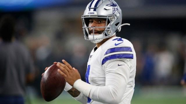 Dallas Cowboys quarterback Dak Prescott (4)