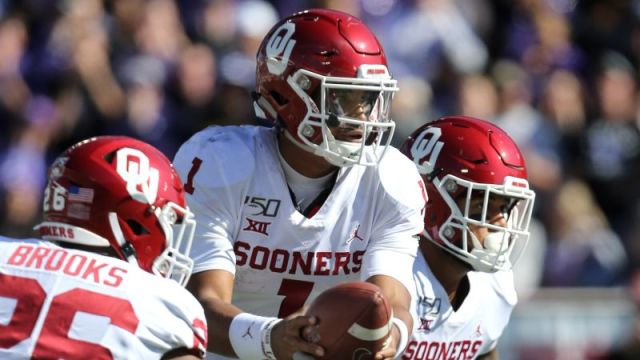 Oklahoma Sooners quarterback Jalen Hurts