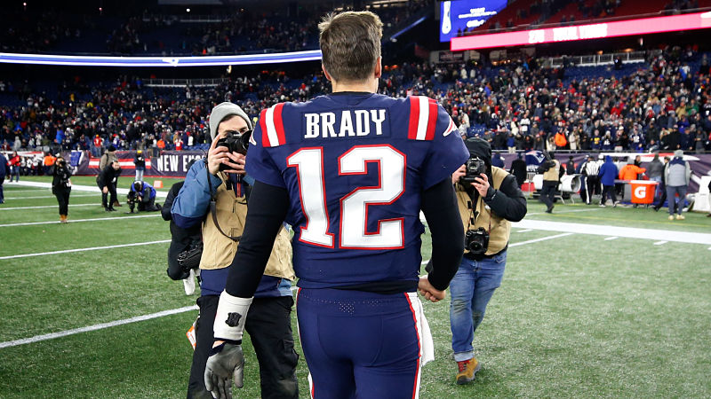 Tom Brady Hopes To One Day Exchange Jerseys With This NFL Legend ...