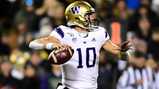 Washington quarterback Jacob Eason