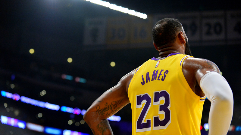Side By Side Video Of Lebron James Kobe Bryant Windmill Dunks Will Give You Chills Nesn Com