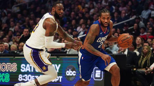 Los Angeles Lakers forward LeBron James and Los Angeles Clippers forward Kawhi Leonard