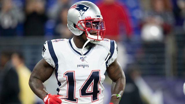 New England Patriots wide receiver Mohamed Sanu