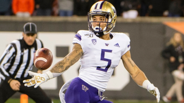 Washington Huskies wide receiver Andre Baccellia