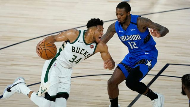 Milwaukee Bucks forward Giannis Antetokounmpo and Orlando Magic forward Gary Clark