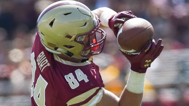 Boston College Eagles tight end Jake Burt