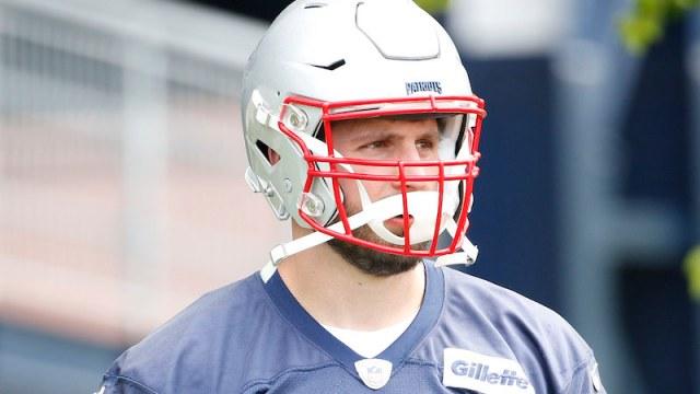 Patriots outside linebacker John Simon