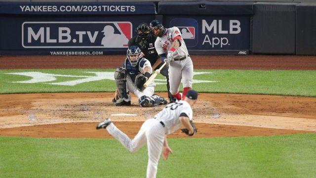 Red Sox center fielder Kevin Pillar