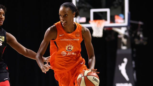 Connecticut Sun guard DeWanna Bonner