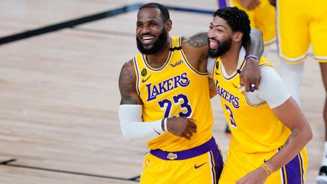 Los Angeles Lakers' LeBron James, Anthony Davis