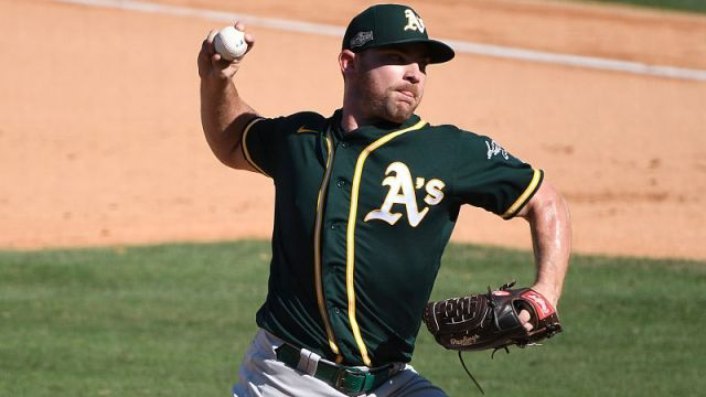 MLB reliever Liam Hendriks