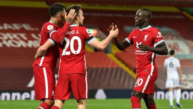 Liverpool forwards Diogo Jota, Sadio Mané