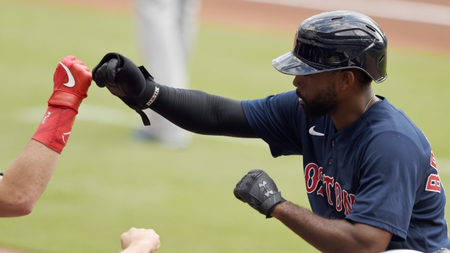 Free agent center fielder Jackie Bradley Jr.