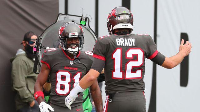 Tampa Bay Buccaneers wide receiver Antonio Brown and quarterback Tom Brady