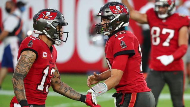 Tampa Bay Buccaneers receiver Mike Evans, quarterback Tom Brady