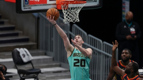Charlotte Hornets forward Gordon Hayward (20)