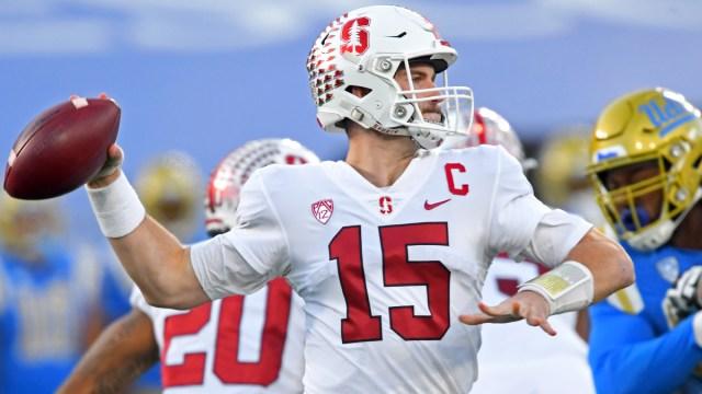 Stanford Cardinal quarterback Davis Mills