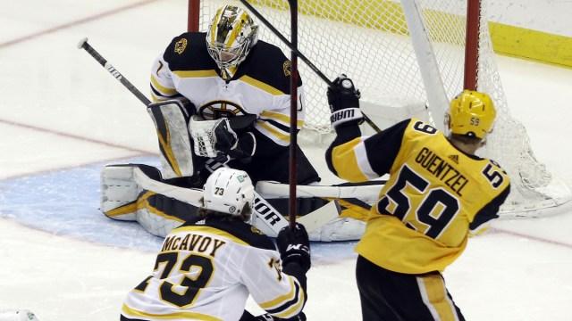 Pittsburgh Penguins Left Wing Jake Guentzel